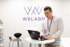 Weladolainen toimistolla. Suunnitteluttamisessa ja suunnitteluohjauksessa tarvitaan vankkaa ammattitaitoa sekä oikeita työkaluja
